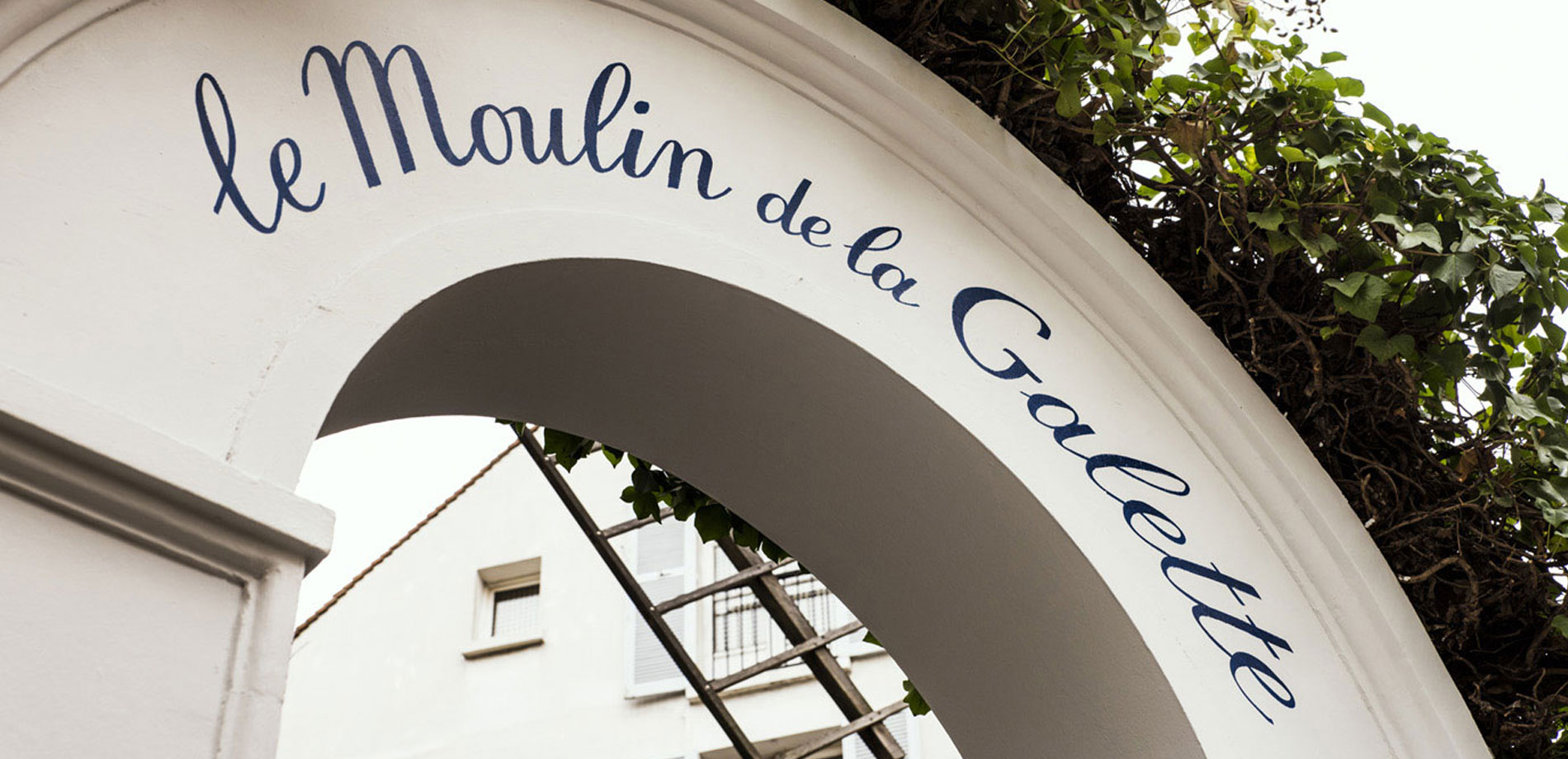 Le moulin de la galette paris for Moulin de la housse